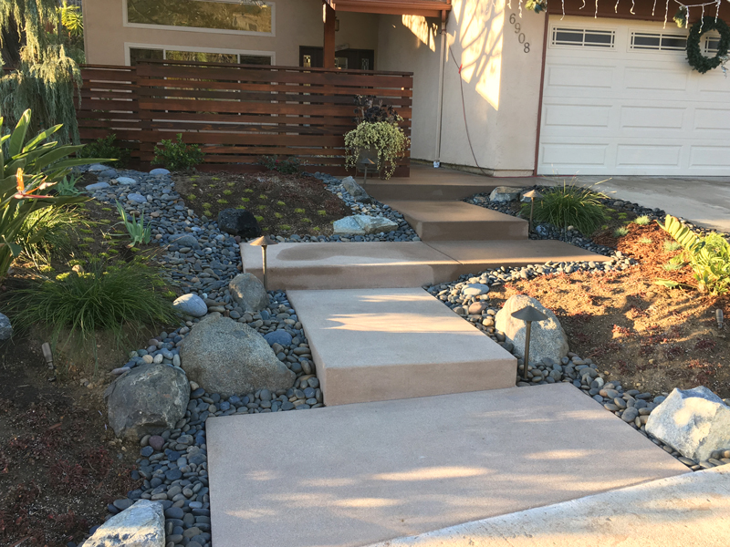 front yard curb appeal with entry steps